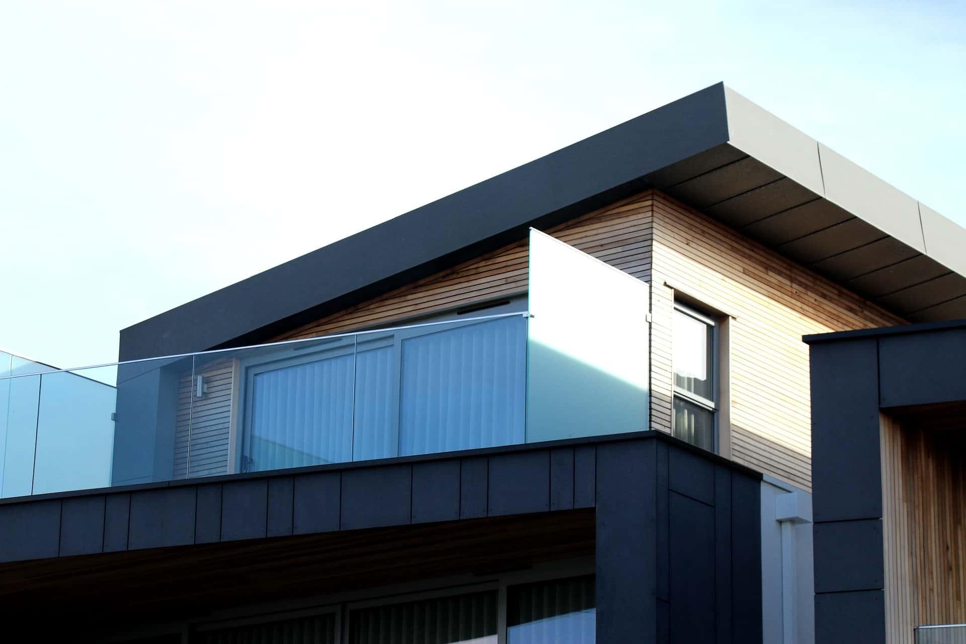 modern architecture using glass railings