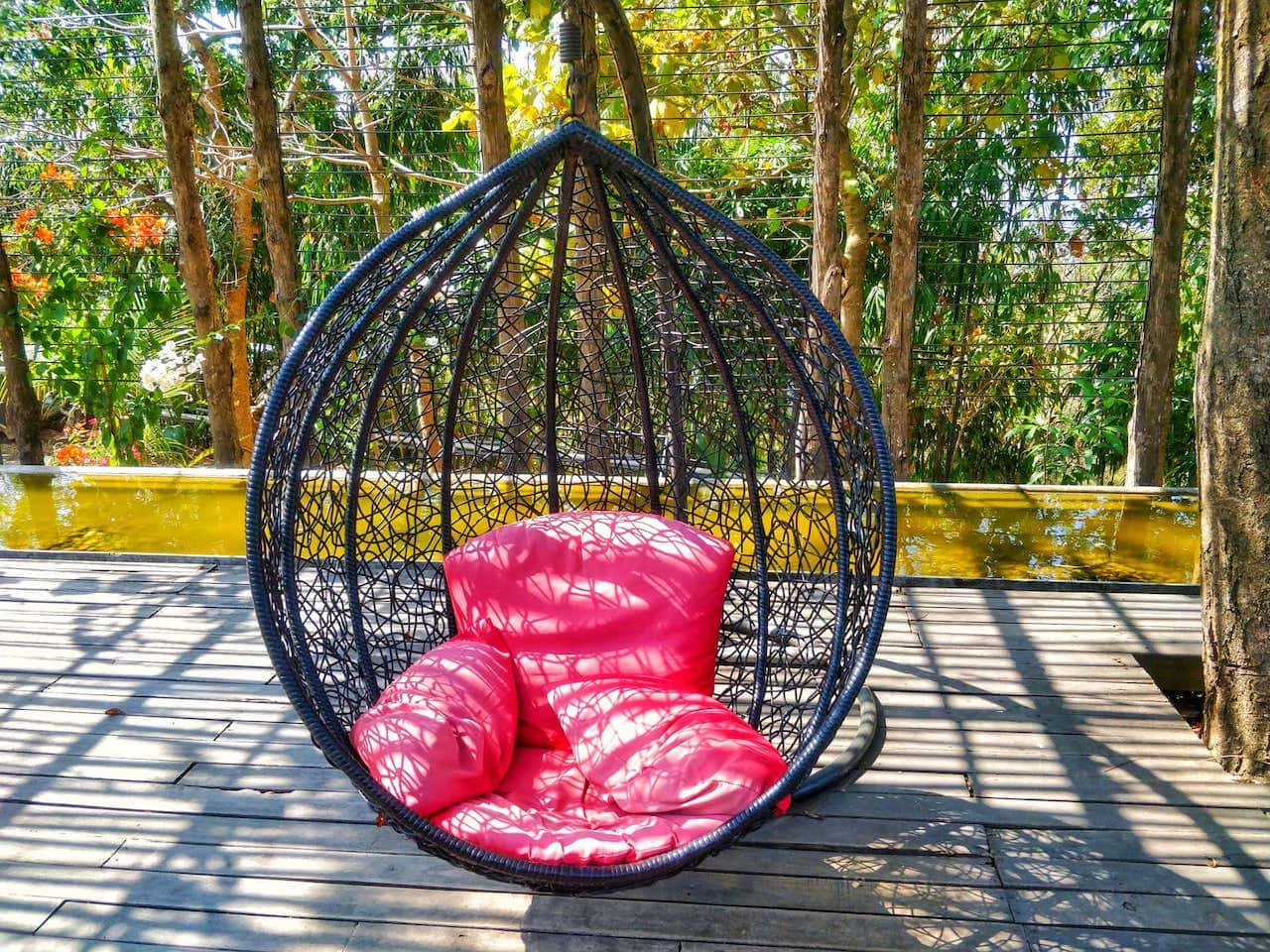 swing chair that rotates