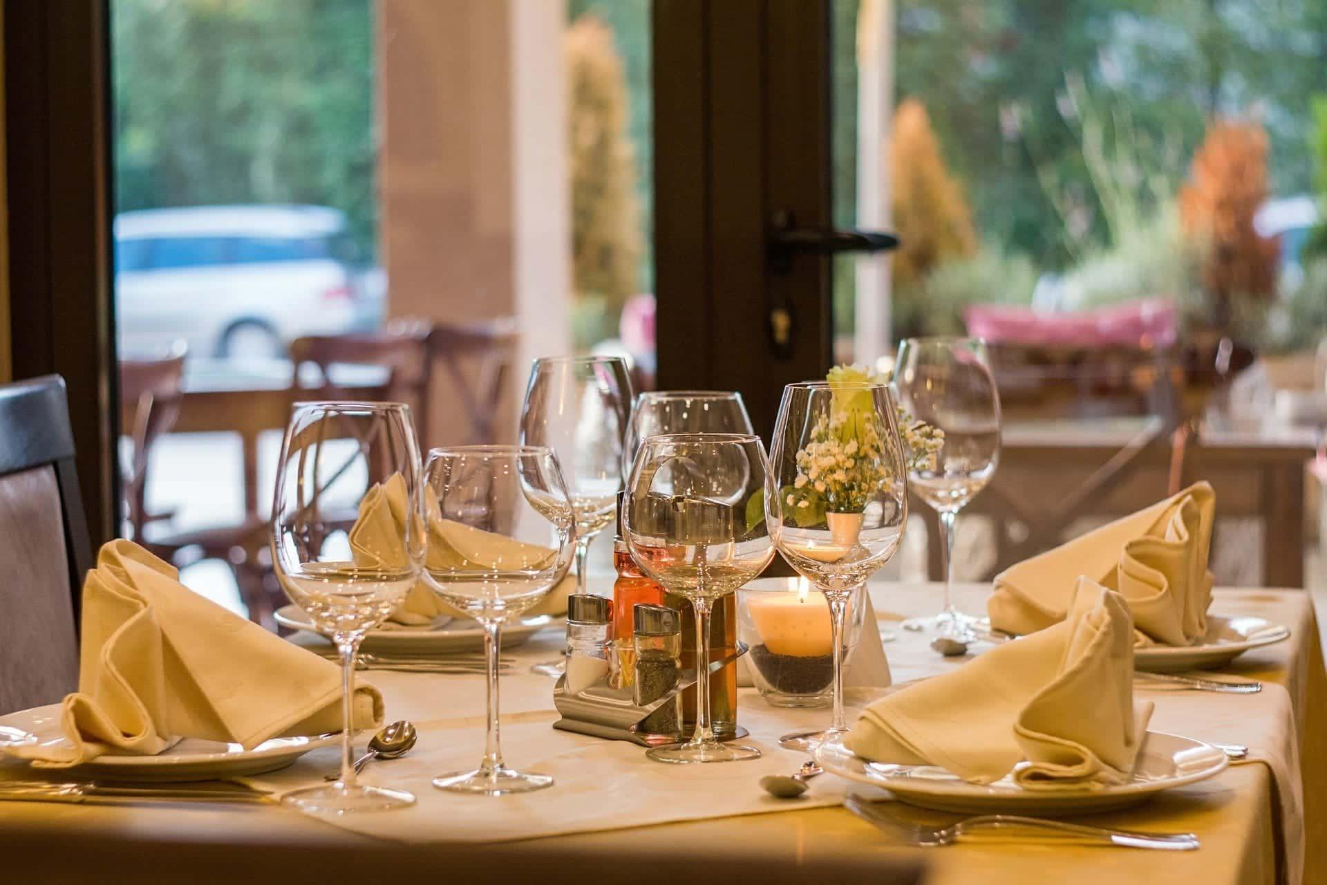 restaurant dining setup
