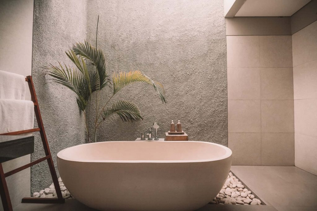 washroom interior designers with image of stylish tub