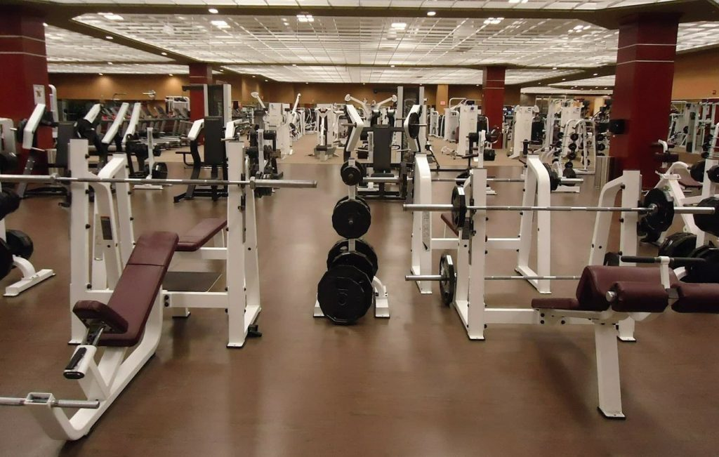 Brownish tone for fitnes center